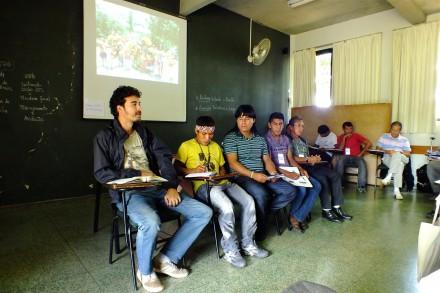 Apresentação sobre experiências de Formação em gestão